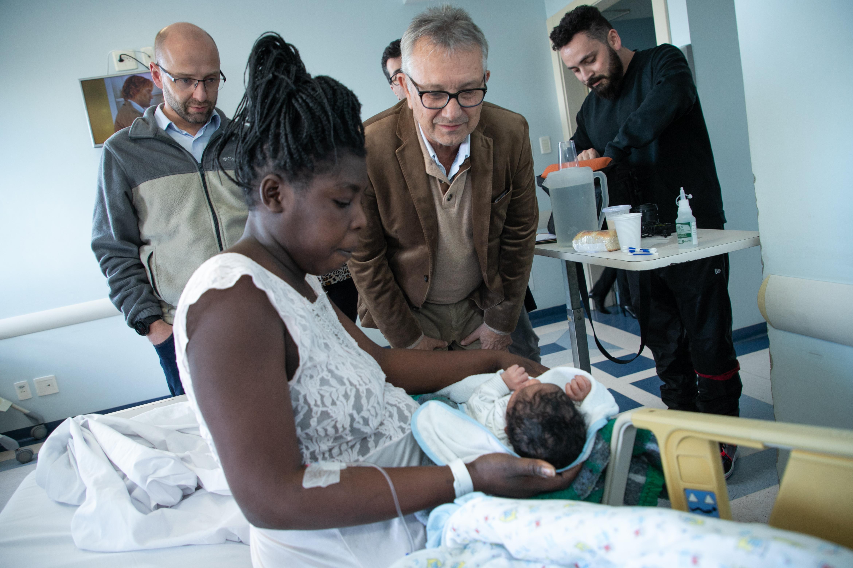 Primeiro bebê nascido na Clínica de Saúde da Mulher é filho de imigrantes haitianos